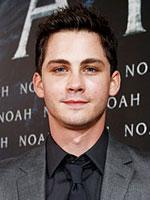Logan Lerman (�� ��������)