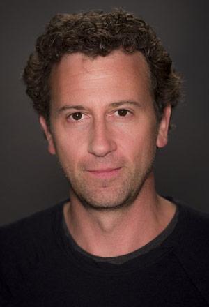 Jonathan-Goldstein-โจนาธาน-โกลด์สไตน์