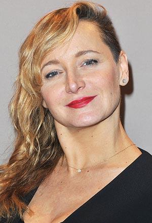 Julie-Ferrier-จูเลีย-เฟอร์เรีย