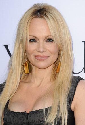 Pamela-Anderson-พาเมล่า-แอนเดอร์สัน
