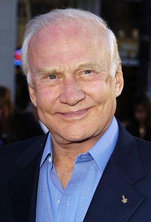 Buzz-Aldrin-บัซซ์-อัลดริน