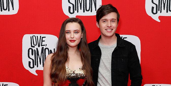งานเปิดตัวหนัง นิค โรบินสัน ควง แคทเธอรีน แลงฟอร์ด ร่วมเดินพรมแดงเปิดตัวภาพยนตร์ Love, Simon ที่ซิดนีย์