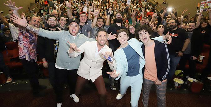 งานเปิดตัวหนัง แซ็คคารี ลีวาย นำทีมนักแสดง Shazam! บุกงานเปิดตัวหนัง ที่ไมอามี่